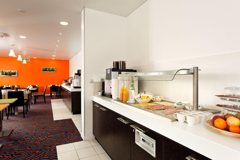 홀리데이 인 익스프레스 스타스부르크-수드(Holiday Inn Express Strasbourg - Sud) Hotel Image 31 - Restaurant