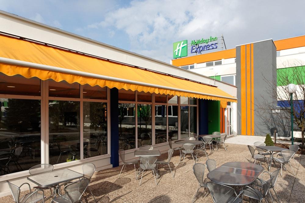 홀리데이 인 익스프레스 스타스부르크-수드(Holiday Inn Express Strasbourg - Sud) Hotel Image 21 - Exterior