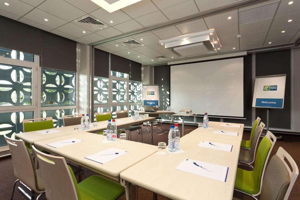 홀리데이 인 익스프레스 스타스부르크-수드(Holiday Inn Express Strasbourg - Sud) Hotel Image 34 - Meeting Facility