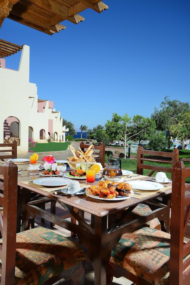 트로피텔 다하브 오아시스 리조트(Tropitel Dahab Oasis Resort) Hotel Image 12 - Dining