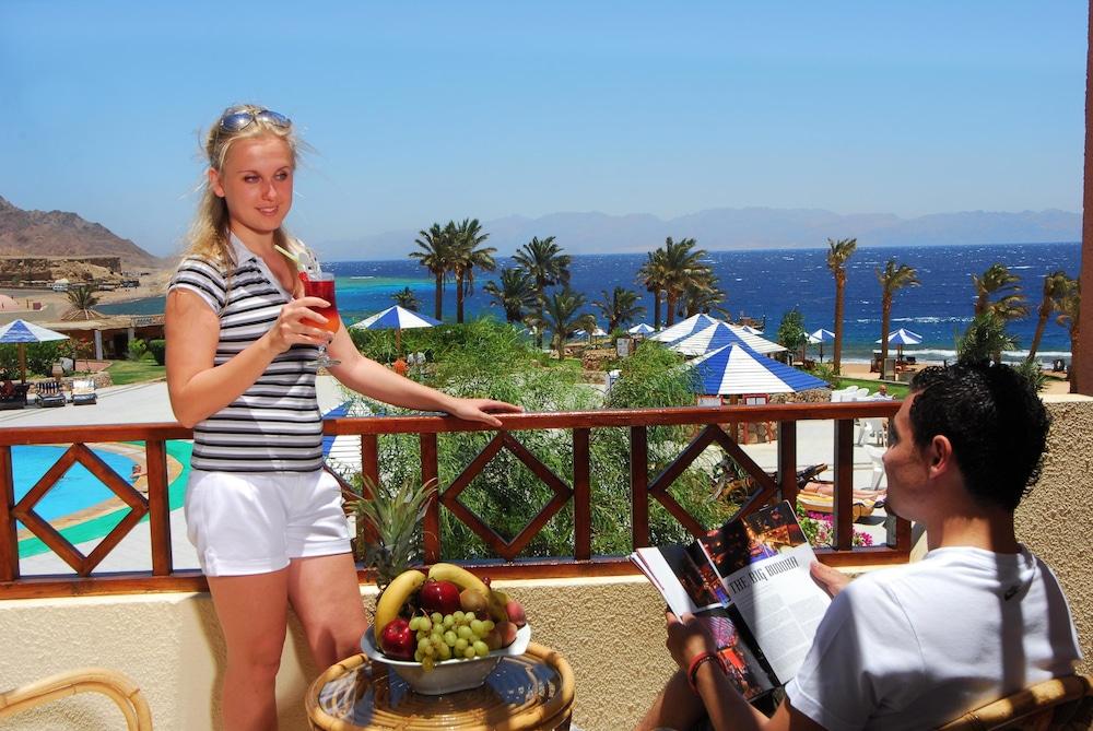 트로피텔 다하브 오아시스 리조트(Tropitel Dahab Oasis Resort) Hotel Image 5 - Balcony