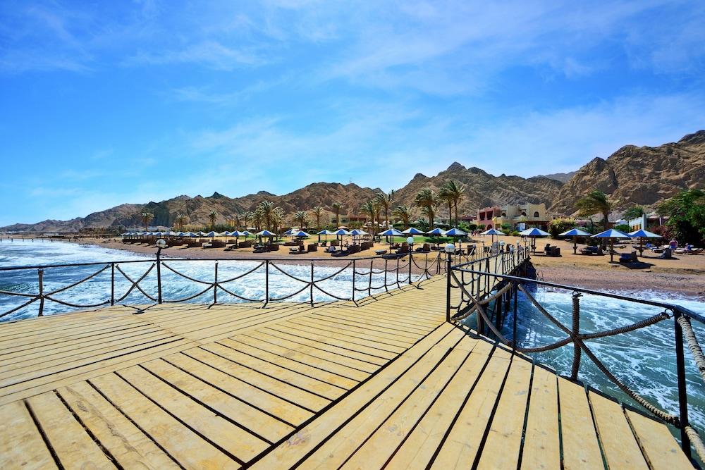 트로피텔 다하브 오아시스 리조트(Tropitel Dahab Oasis Resort) Hotel Image 16 - Beach