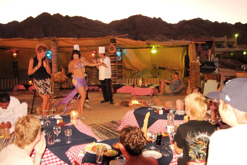 트로피텔 다하브 오아시스 리조트(Tropitel Dahab Oasis Resort) Hotel Image 11 - Theater Show