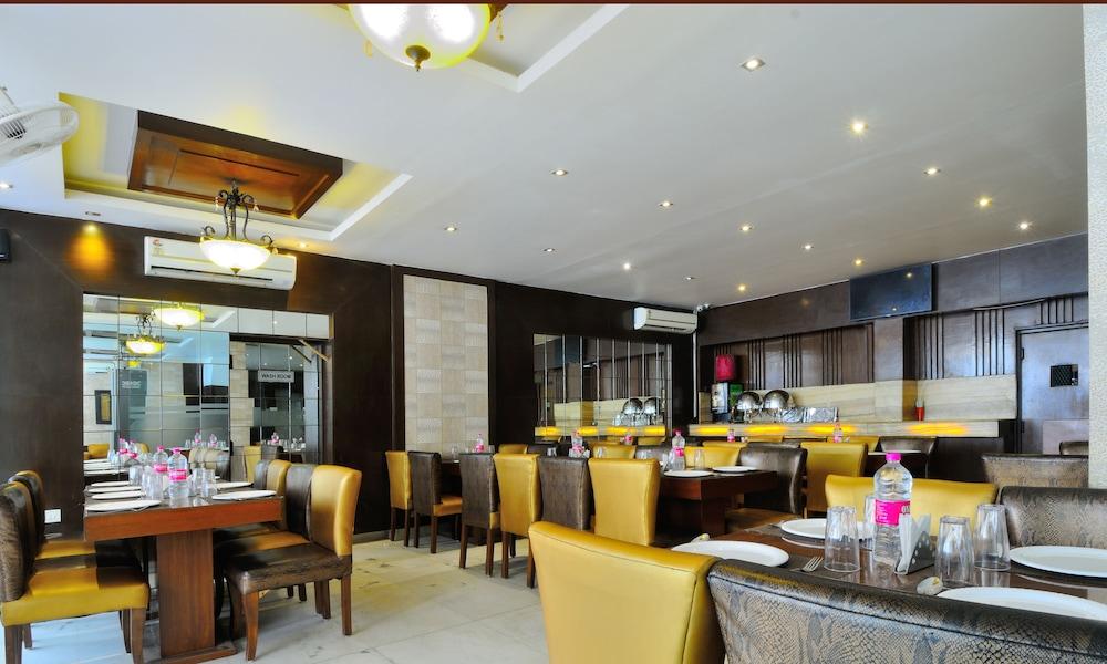 호텔 더 라즈, 뉴 델리(Hotel The Raj, New Delhi) Hotel Image 25 - Restaurant