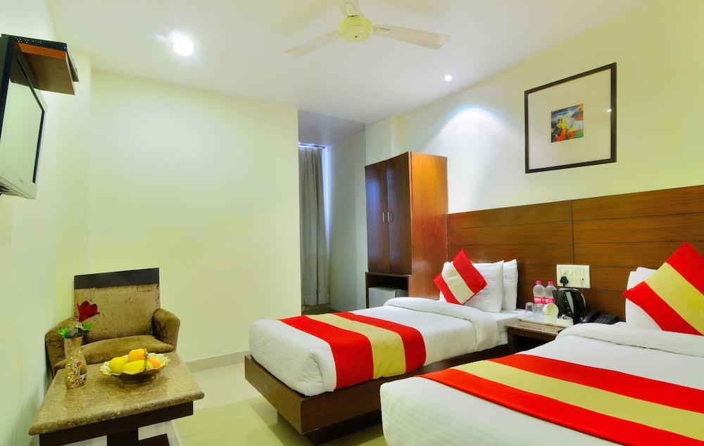 호텔 더 라즈, 뉴 델리(Hotel The Raj, New Delhi) Hotel Image 21 - Guestroom View