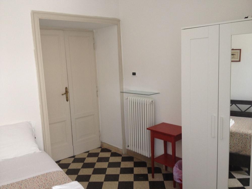 콜라지오네 알 바티카노(Colazione Al Vaticano) Hotel Image 9 - Guestroom