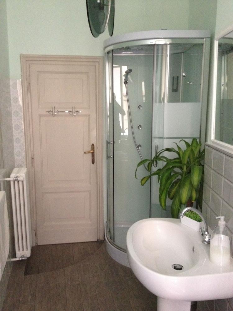 콜라지오네 알 바티카노(Colazione Al Vaticano) Hotel Image 21 - Bathroom