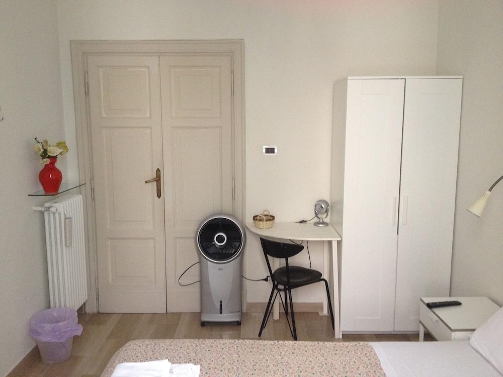 콜라지오네 알 바티카노(Colazione Al Vaticano) Hotel Image 12 - Guestroom