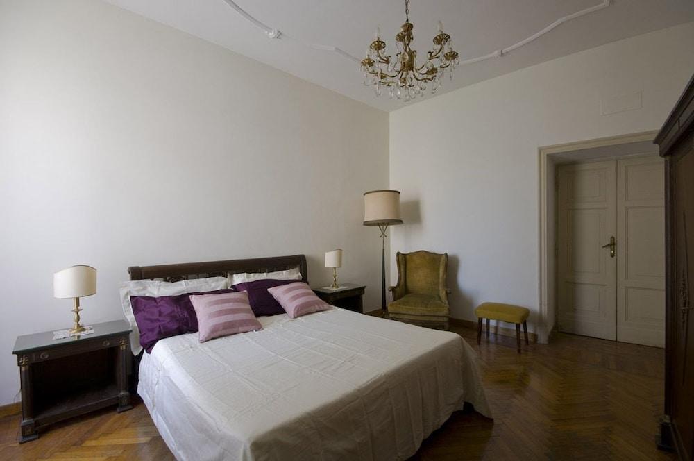 콜라지오네 알 바티카노(Colazione Al Vaticano) Hotel Image 2 - Guestroom
