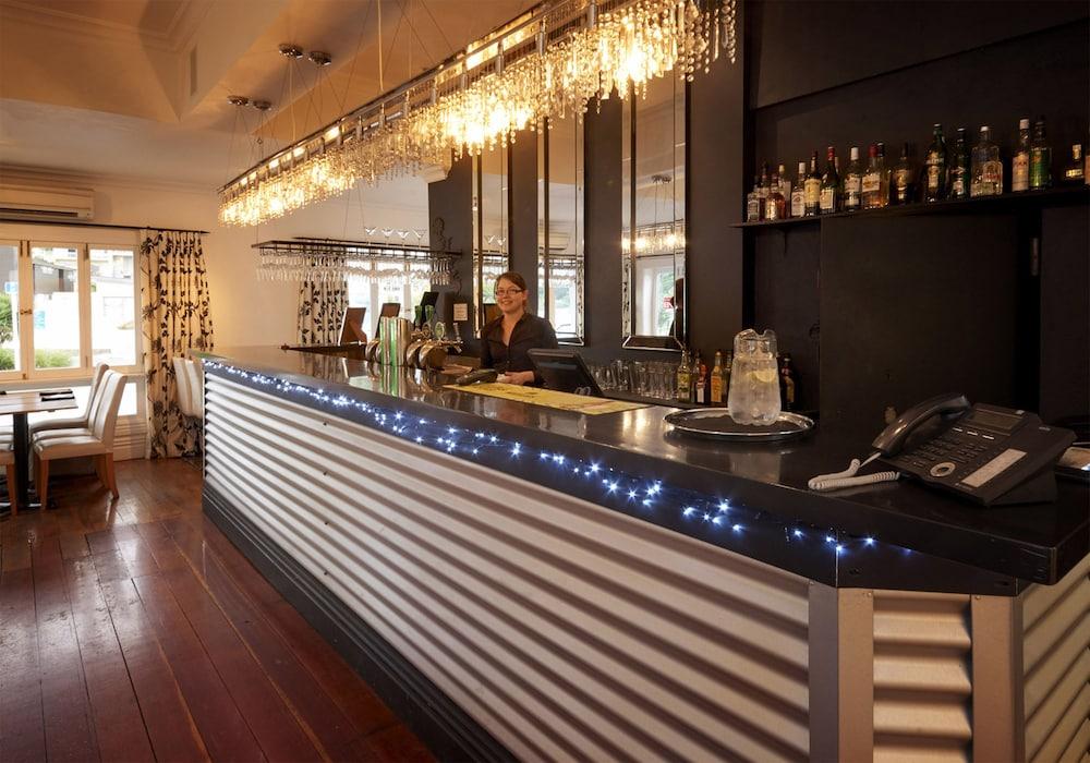 이스케이프 투 픽턴(Escape To Picton) Hotel Image 13 - Hotel Bar