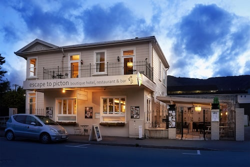 Escape To Picton, Marlborough