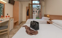 Comfort Room, City View