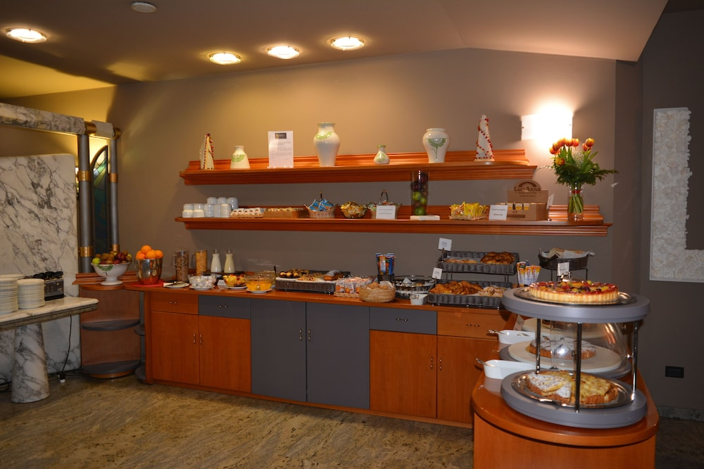 호텔 선플라워(Hotel Sunflower) Hotel Image 18 - Breakfast buffet