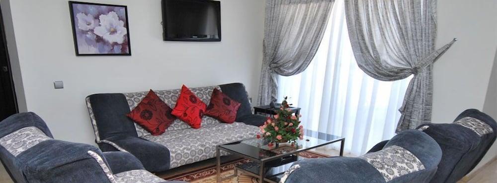 아파트 호텔 파운티 비치(Appart Hotel Founty Beach) Hotel Image 16 - Living Area
