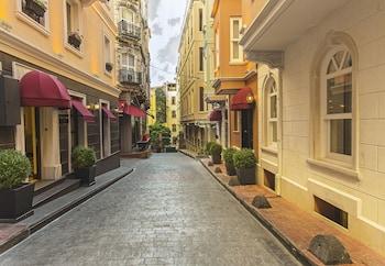 Hotel - Meroddi Pera Hotel