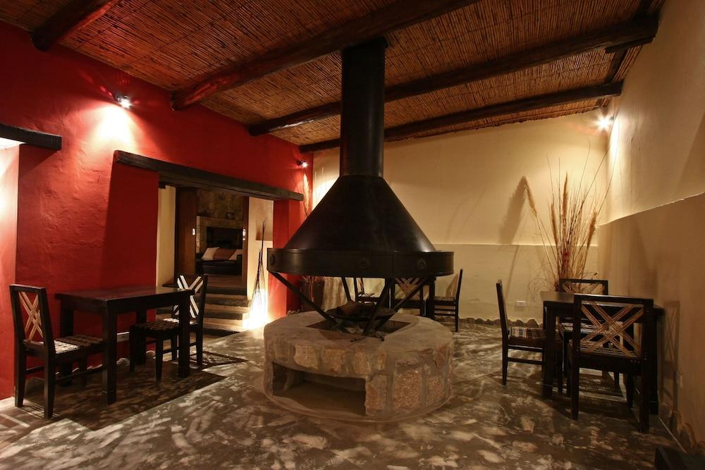 포사다 콘 로스 앙헬레스(Posada Con Los Angeles) Hotel Image 38 - Fireplace
