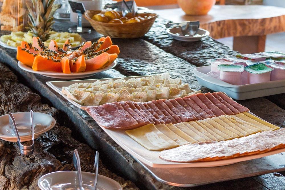 포우사다 사블레 도르(Pousada Sable D'or) Hotel Image 56 - Breakfast buffet
