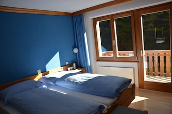 Economy Double or Twin Room (Ost/West)