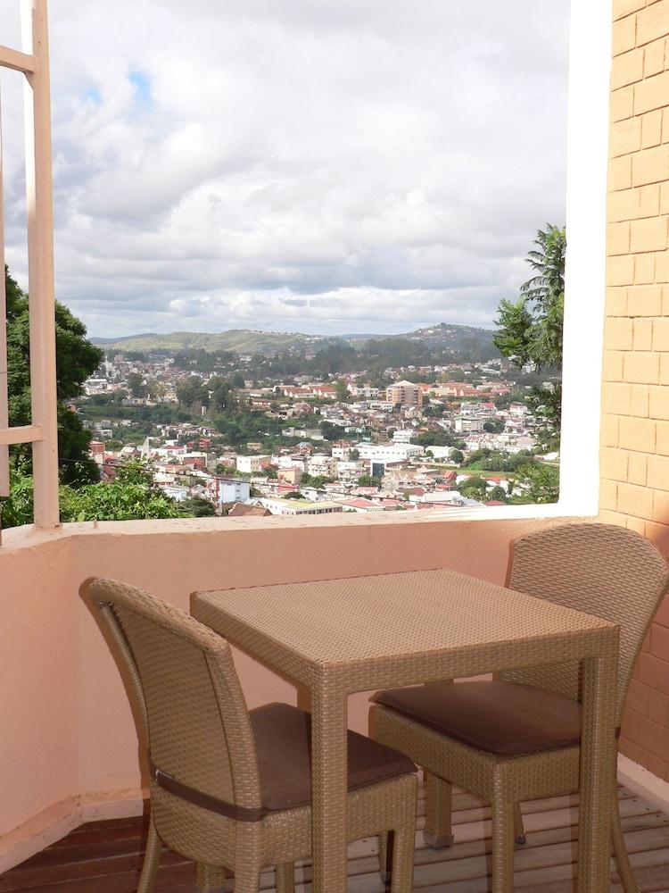 라 레지던스 뒤 로바(La Residence du Rova) Hotel Image 15 - Guestroom View