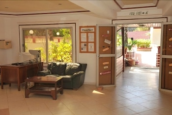 바달라 파크 호텔(Badala Park Hotel) Hotel Image 9 - Interior Entrance