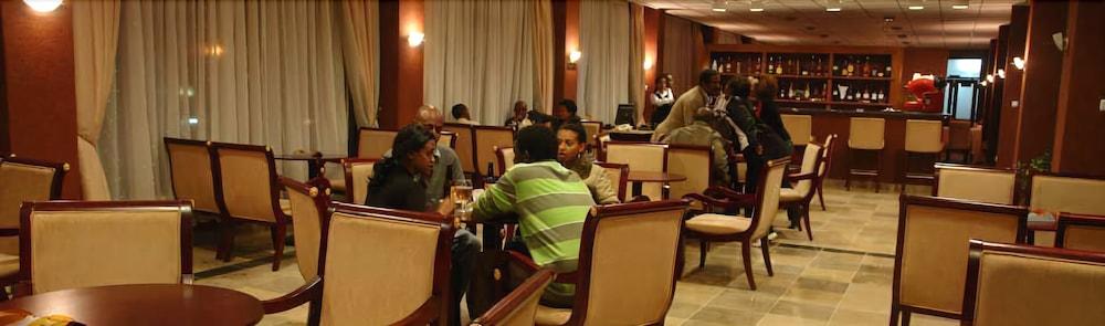 소람바 호텔(Soramba Hotel) Hotel Image 17 - Hotel Bar