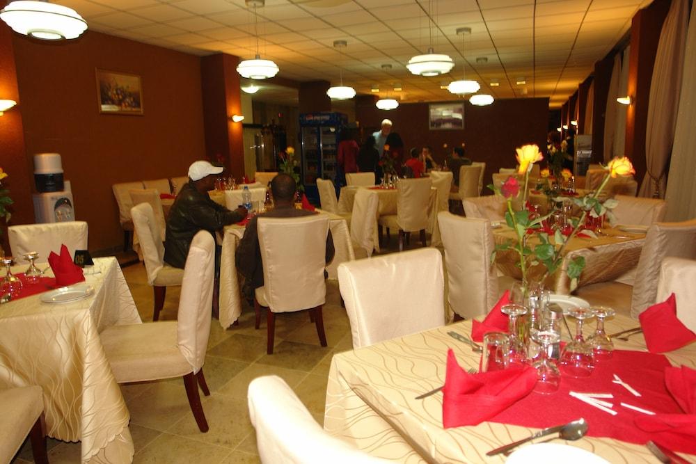소람바 호텔(Soramba Hotel) Hotel Image 16 - Restaurant