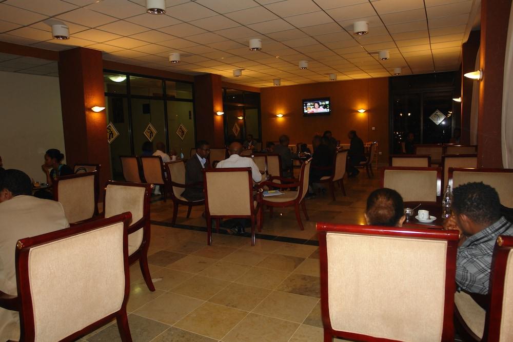 소람바 호텔(Soramba Hotel) Hotel Image 18 - Hotel Bar