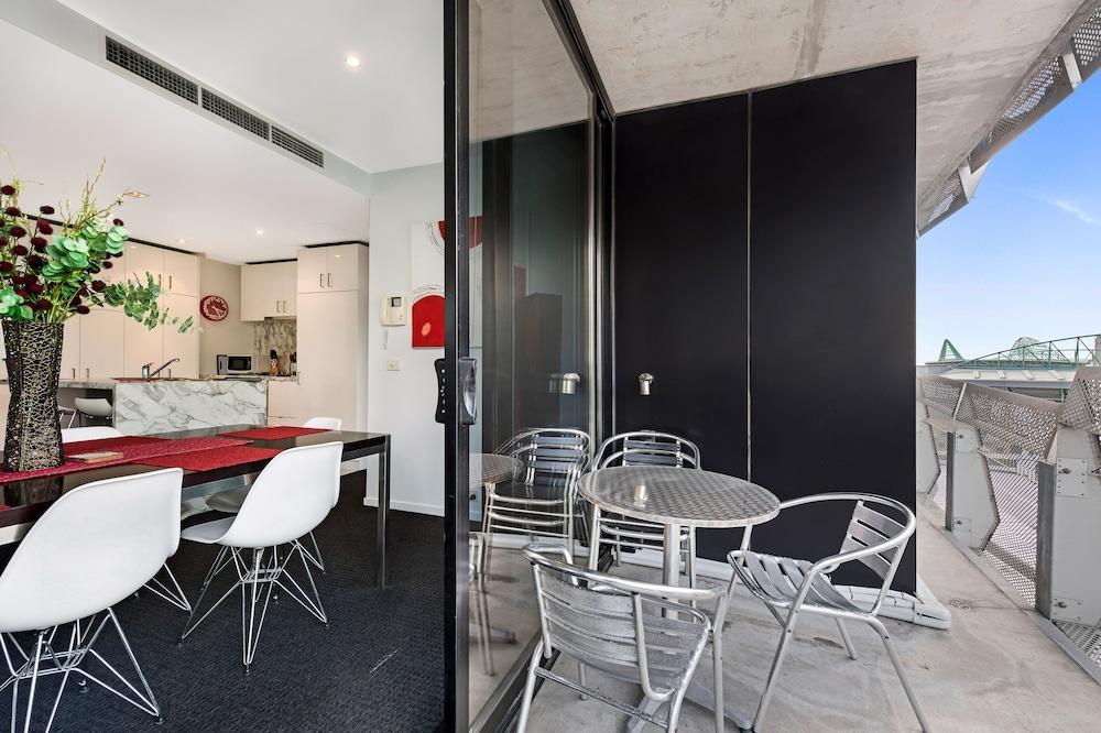 도크랜즈 이그제큐티브 아파트먼츠(Docklands Executive Apartments) Hotel Image 53 - Balcony