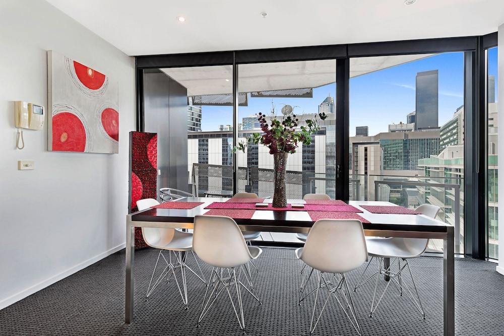 도크랜즈 이그제큐티브 아파트먼츠(Docklands Executive Apartments) Hotel Image 20 - In-Room Dining