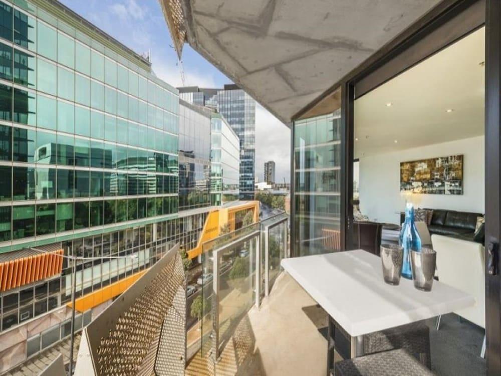 도크랜즈 이그제큐티브 아파트먼츠(Docklands Executive Apartments) Hotel Image 51 - Balcony