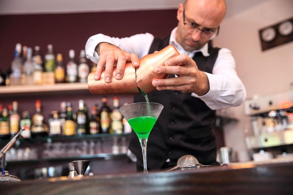 바자로그리아 리조트(Bajaloglia Resort) Hotel Image 52 - Hotel Bar