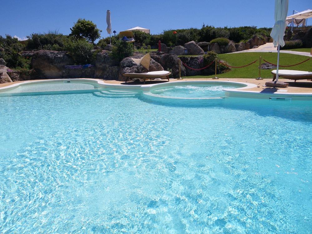 바자로그리아 리조트(Bajaloglia Resort) Hotel Image 2 - Pool