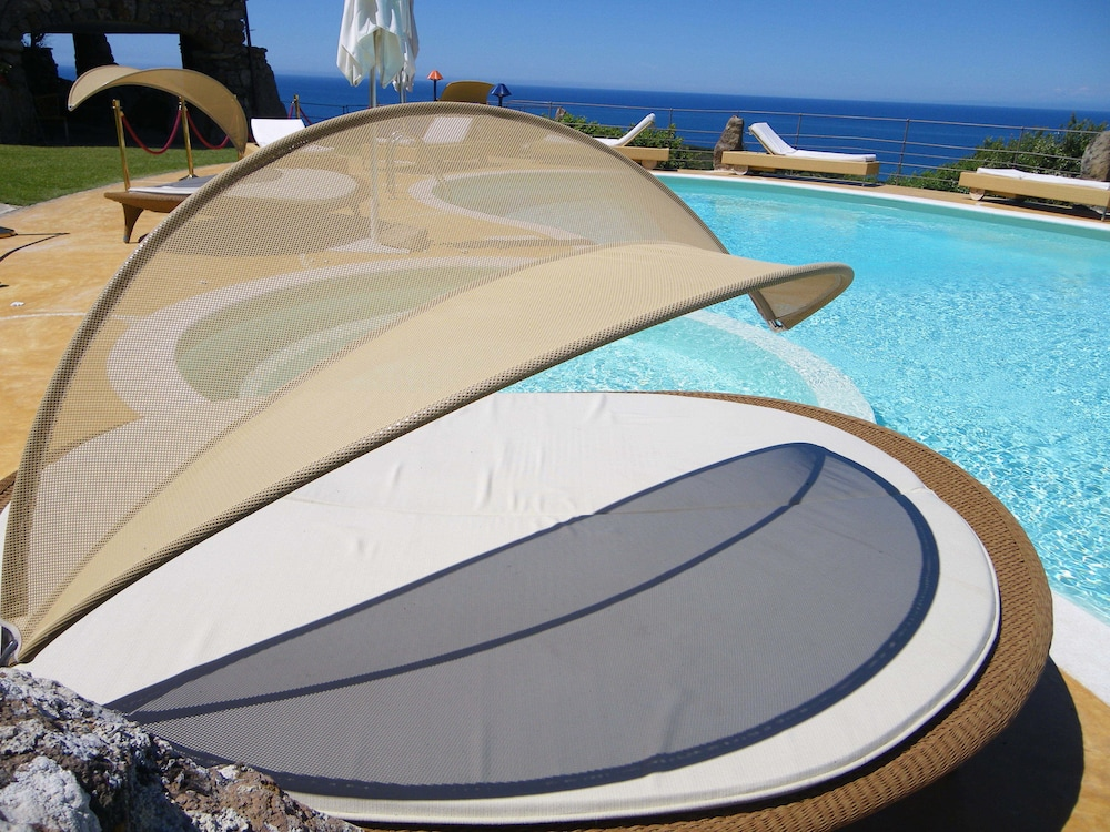 바자로그리아 리조트(Bajaloglia Resort) Hotel Image 39 - Outdoor Pool