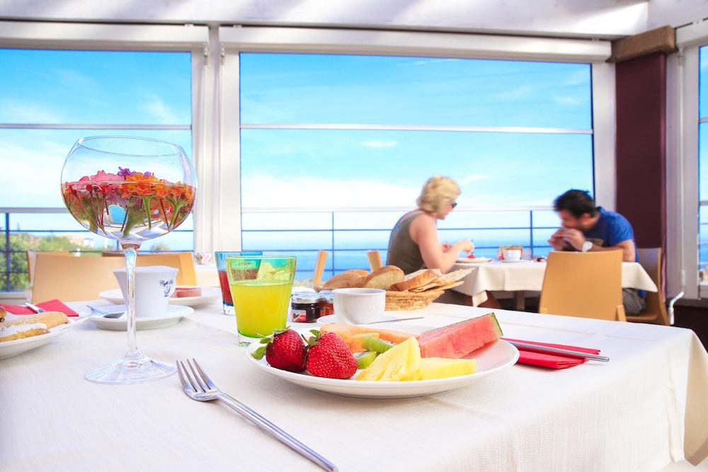 바자로그리아 리조트(Bajaloglia Resort) Hotel Image 51 - Hotel Bar