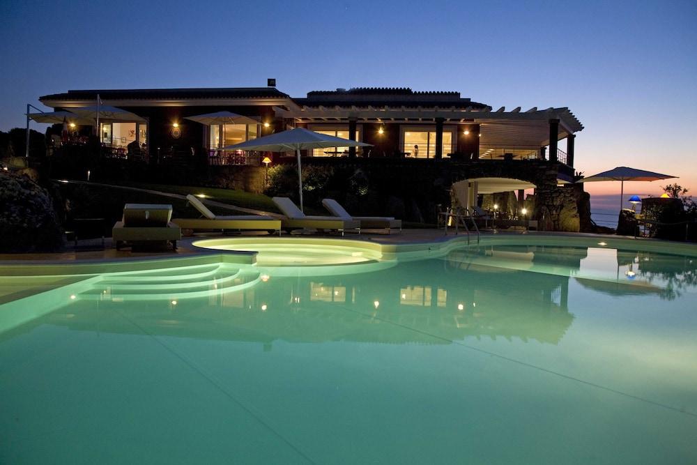 바자로그리아 리조트(Bajaloglia Resort) Hotel Image 38 - Outdoor Pool