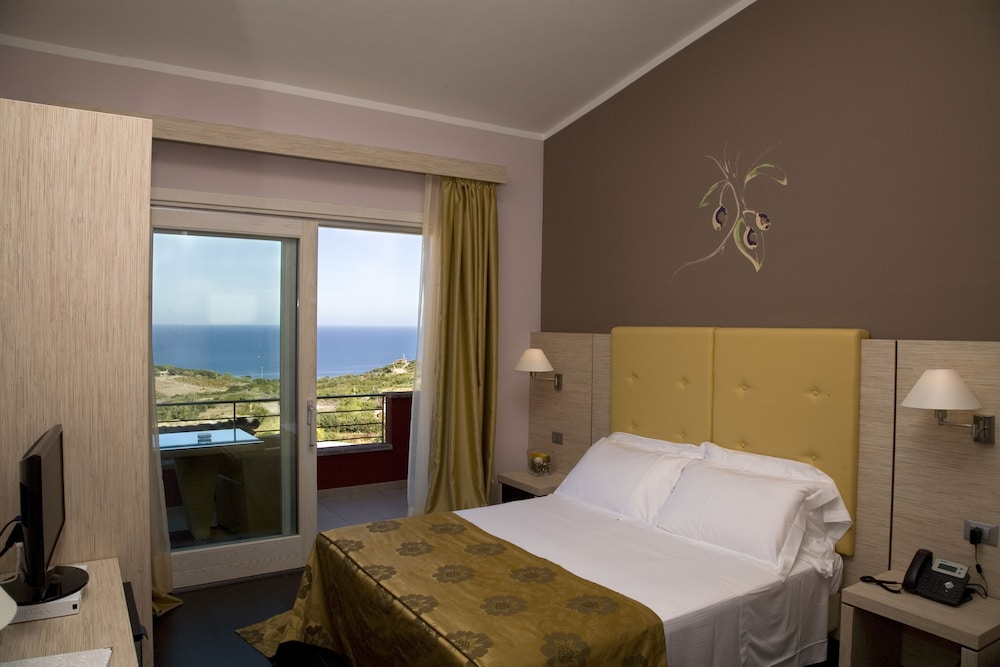 바자로그리아 리조트(Bajaloglia Resort) Hotel Image 26 - Guestroom View