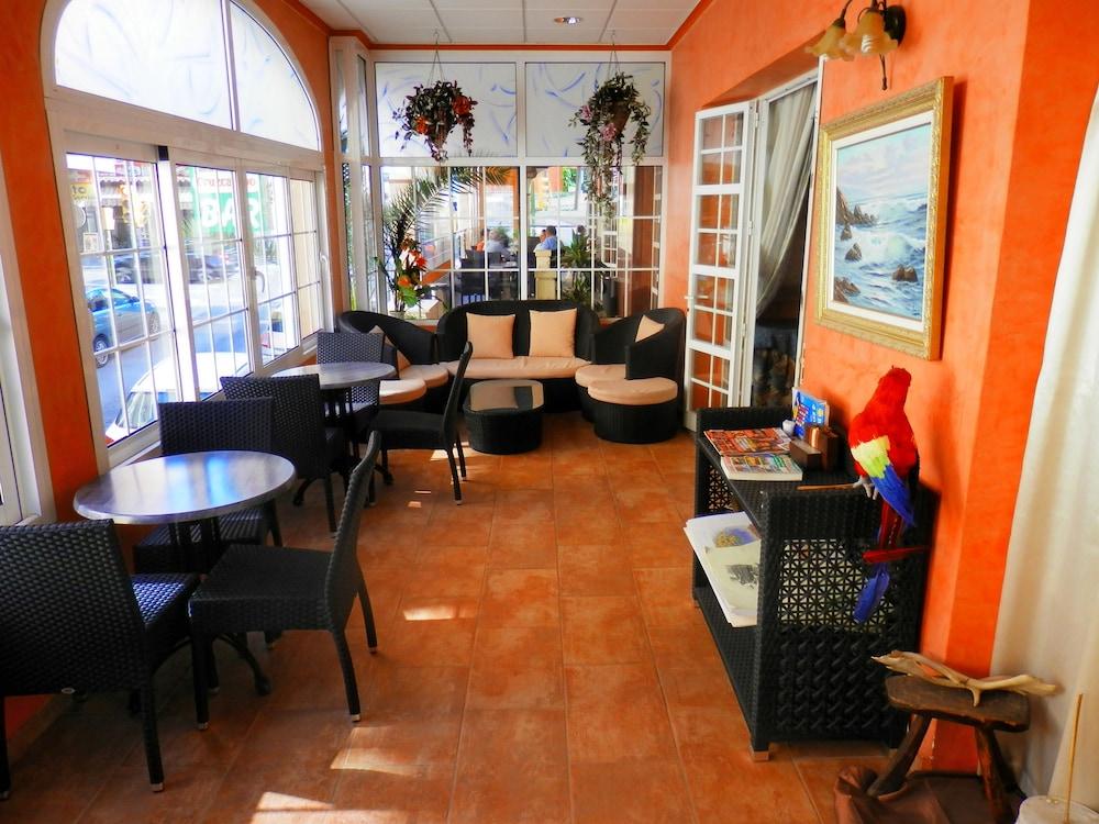 호텔 플라야 솔(Hotel Playa Sol) Hotel Image 8 - Breakfast Area