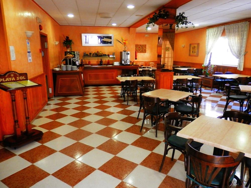호텔 플라야 솔(Hotel Playa Sol) Hotel Image 6 - Breakfast Area