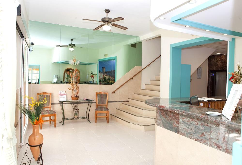 호텔 플라야 솔(Hotel Playa Sol) Hotel Image 7 - Reception