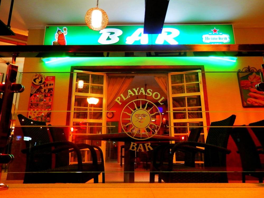 호텔 플라야 솔(Hotel Playa Sol) Hotel Image 12 - Porch