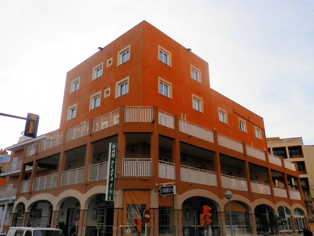 호텔 플라야 솔(Hotel Playa Sol) Hotel Image 11 - Hotel Entrance