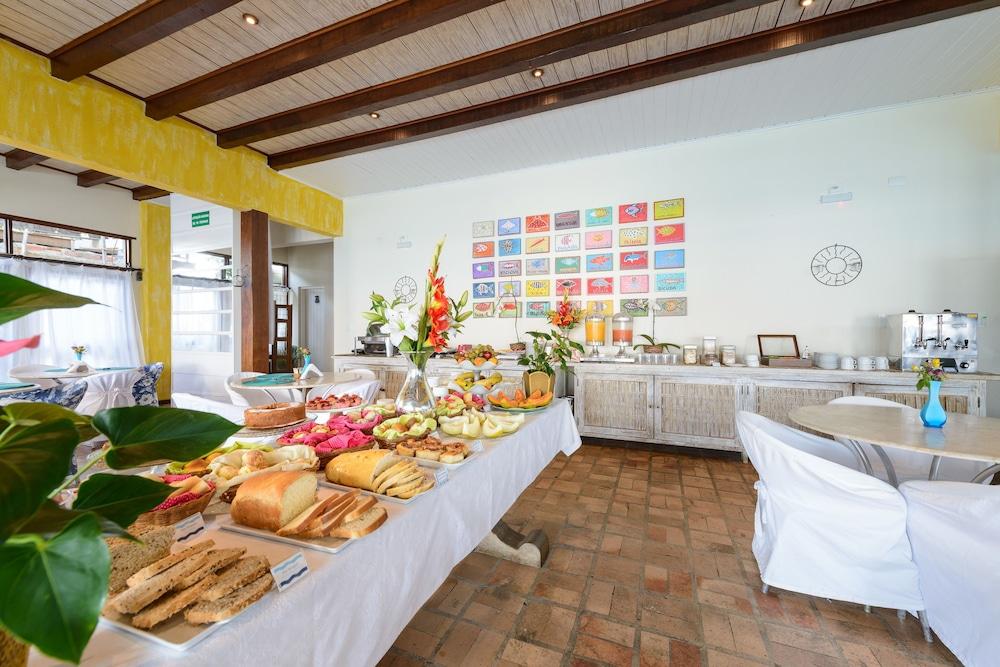 바라 두 피우바 포르투 호텔(Barra Do Piuva Porto Hotel) Hotel Image 120 - Breakfast buffet