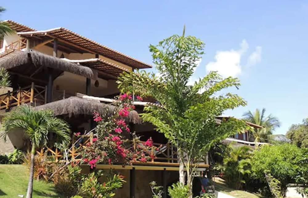 https://i.travelapi.com/hotels/5000000/4500000/4496300/4496273/c2f43db9_z.jpg