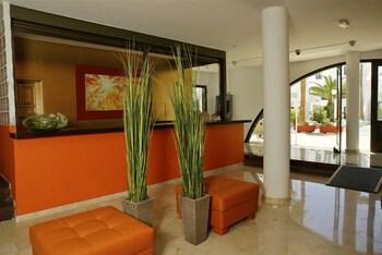 아파르타멘토스 솔(Apartamentos Sol) Hotel Image 1 - Lobby