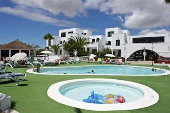아파르타멘토스 솔(Apartamentos Sol) Hotel Image 14 - Outdoor Pool