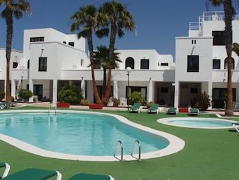 아파르타멘토스 솔(Apartamentos Sol) Hotel Image 13 - Outdoor Pool