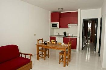 아파르타멘토스 솔(Apartamentos Sol) Hotel Image 7 - Living Area