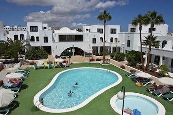아파르타멘토스 솔(Apartamentos Sol) Hotel Image 0 - Featured Image