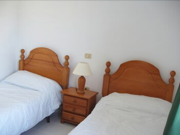 아파르타멘토스 솔(Apartamentos Sol) Hotel Image 3 - Guestroom