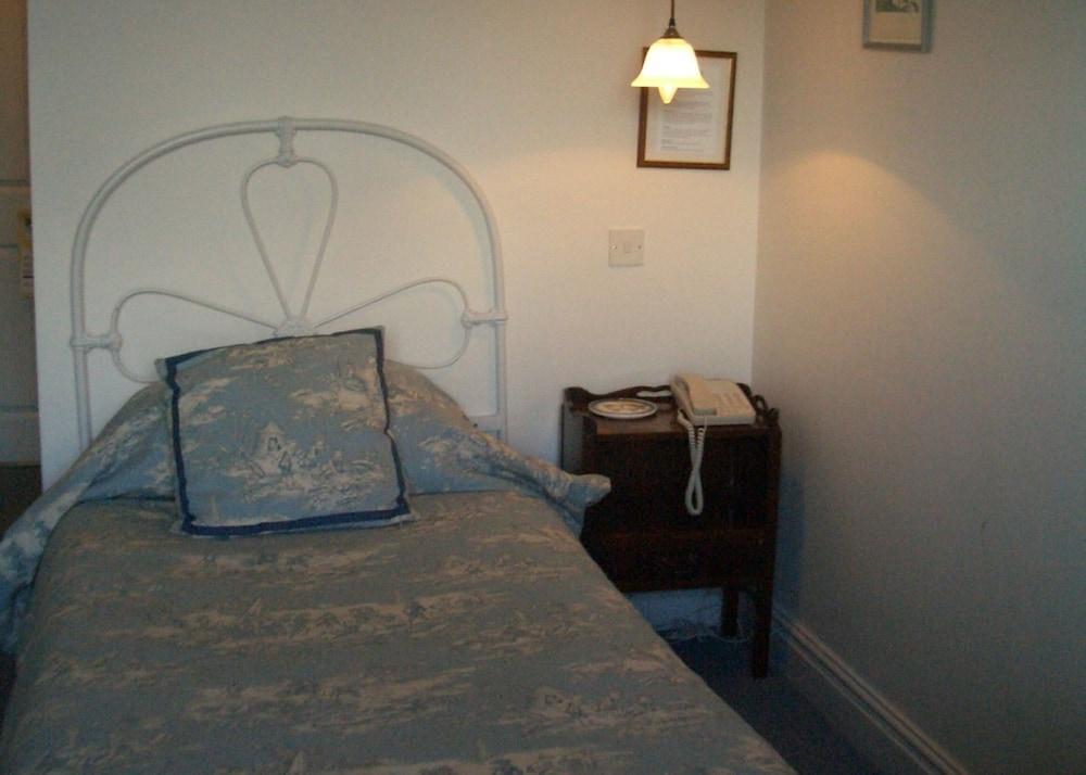반스데일 로지 호텔 앤드 레스토랑(Barnsdale Lodge Hotel and Restaurant) Hotel Image 2 - Guestroom
